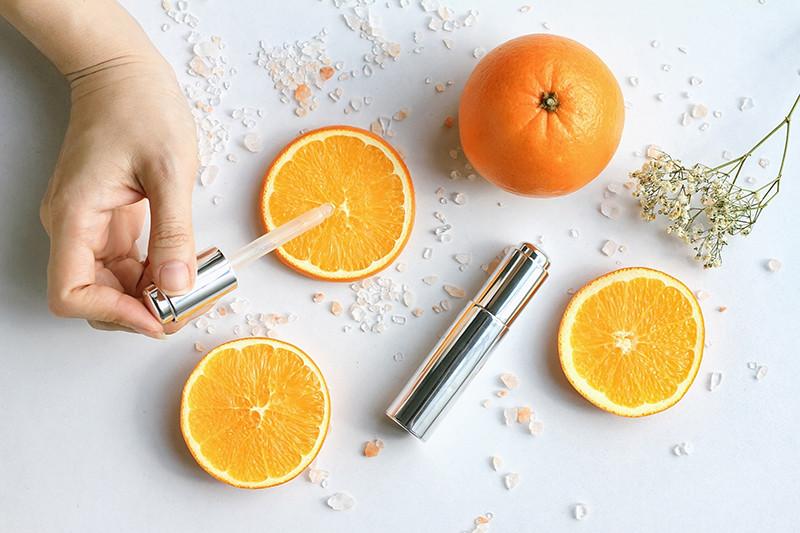 Витамин С в косметике: как правильно использовать, особенности ...