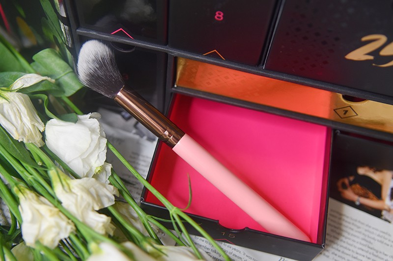 Luxie 522 Tapered Highlighter Brush